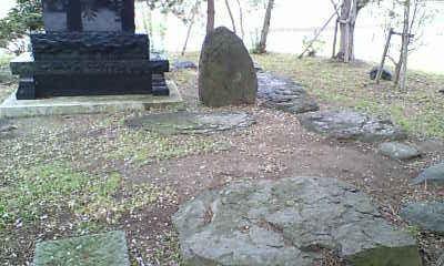 三重塔礎石